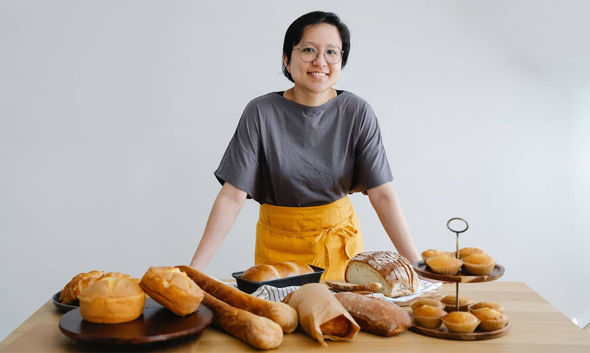 how to start a bakery business from home